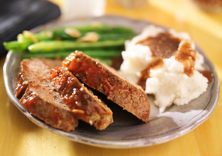 meatloaf with greenbeans and mashed potatoes Stock Photo - 25857003