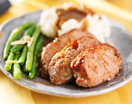 greenbeans: meatloaf with greenbeans and mashed potatoes