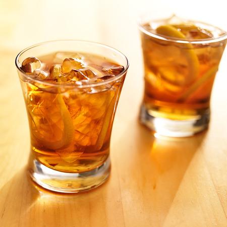 iced tea: iced southern sweet tea with lemon slices Stock Photo