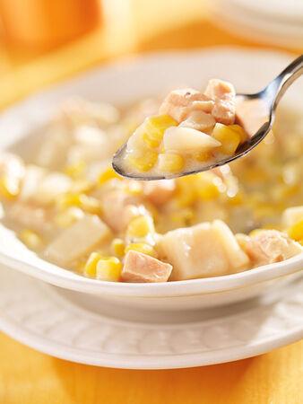 cuiller�e: cuiller�e de soupe de ma�s de pr�s