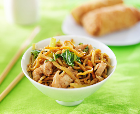 lo mein: chinese chicken lo mein in a bowl