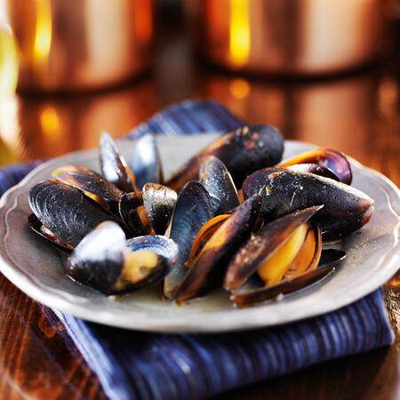 mussels in white wine garlic sauce 免版税图像
