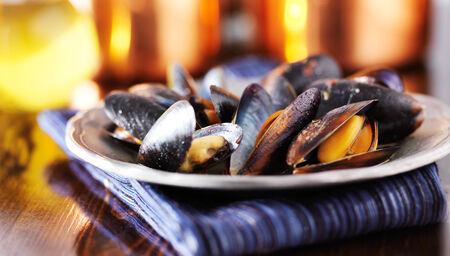 mussels in white wine garlic sauce panorama