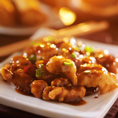 매운 중국 일반 tso의 닭