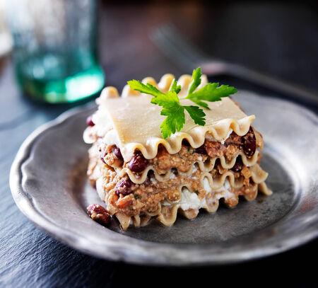 viandes et substituts: lasagne v�g�talien avec du fromage et de la viande alternatives