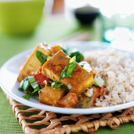 玄米菜食主義者豆腐カレー