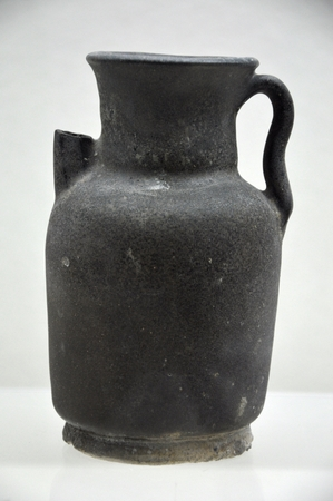 tang: Antique in Tang Dynasty