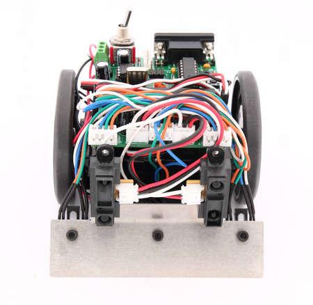 programing: Peque�o robot capaz de luchar y tambi�n para realizar un seguimiento Foto de archivo