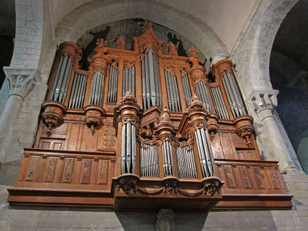 pipe organ: Pipe organ of an anglican church. Editorial