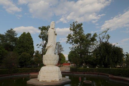Chuxiong Fuda Park: a statue of the Guanyin