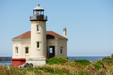 coquille: Coquille River Lighthouse vicino a Bandon Oregon Editoriali
