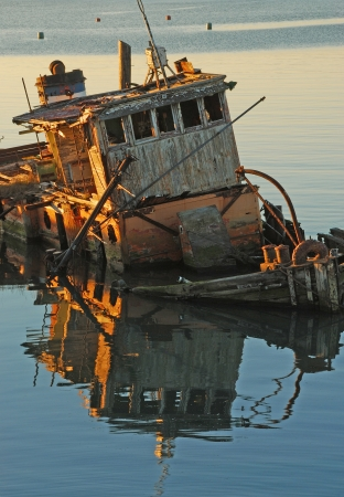 ship wreck: Mary D  Hume lying in the still water