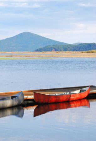 rocky point: Barche sul lago Upper Klamath a Rocky Point Resort Questo resort si trova sulla parte occidentale del lago