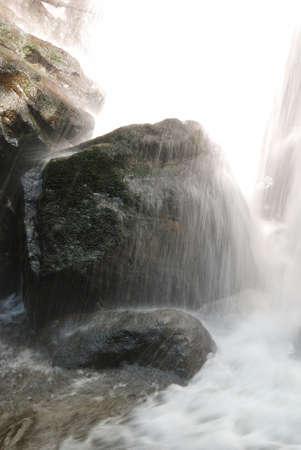 coquille: Piccola cascata su East Fork Coquille River vicino Sitkum o OFF di Coos Bay Wagon Strada Archivio Fotografico