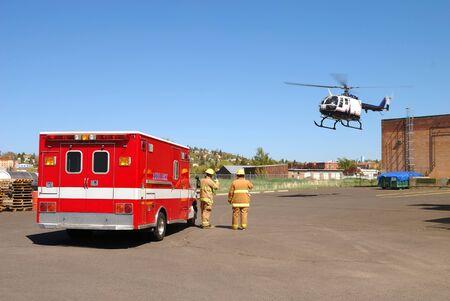 amoniaco: Airlife helic�ptero y traslado Patien a Klamath Falls Shoot de Haz Mat Outreach v�deo simulada fuga de amoniaco en una instalaci�n con una entrada de nivel