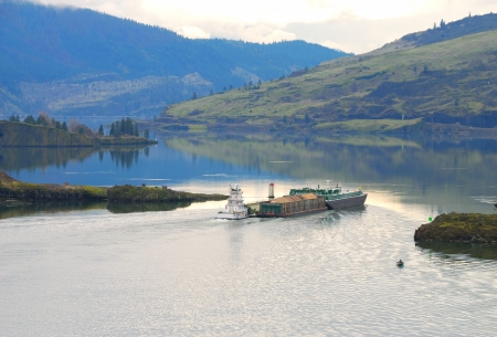 bark mulch: Large barge negotiating the upper Columbia River near Hood River Oregon  Stock Photo