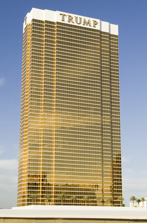 2014 년 11 월 11 일 라스 베이거스 : 라스베가스 스트립에있는 트럼프 인터내셔널 호텔 타워 에디토리얼
