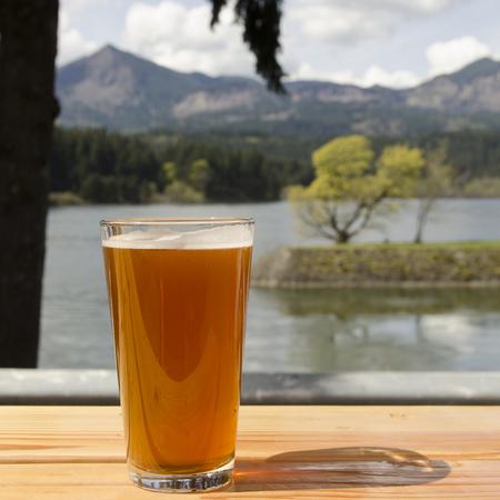 Concept of a craft beer at a Oregon microbrew pub Standard-Bild