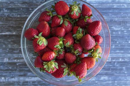 Bowl with fresh strawberries Banco de Imagens
