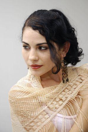 Portret van Hispanic flamenco vrouw geïsoleerd
