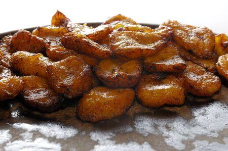 platanos fritos: Detalle de plato t�pico cubano - pl�tanos fritos Foto de archivo