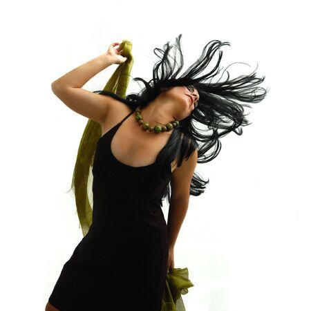 젊은 갈색 머리 아름다움 춤 - 절연의 초상화