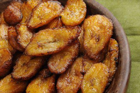 전형적인 쿠바 요리 - 튀긴 얇게 썬된 바나나 스톡 콘텐츠
