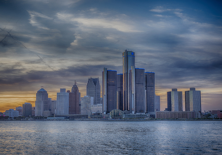 A view of Detroit skyline at sunset with dramatic HDR effect 스톡 콘텐츠