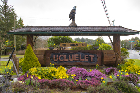 Welcome sign at the entrance of Ucluelet in the west coast of Vancouver Island, Canada Stock fotó