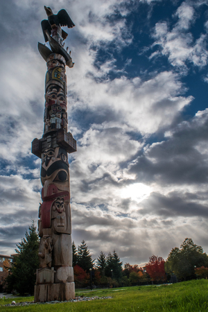 first nations: First Nations Totem