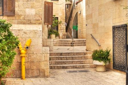 エルサレム、イスラエル共和国の歴史的な部分でユダヤ人の通りの古い。