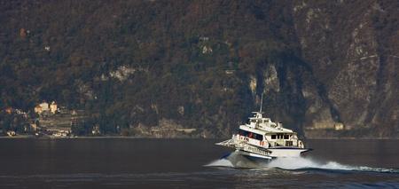 lake como: Motorship on Lake Como in northern Italy