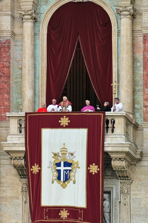 saint peter: VATICAN - APRIL 19: Pope Benedict XVI (Joseph Ratzinger) on the balcony of Saint Peter