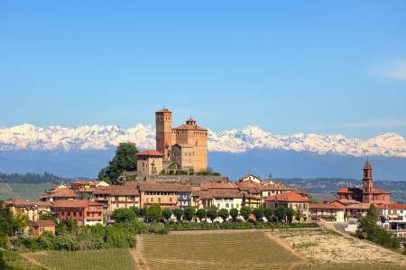 Small town of Serralunga D Standard-Bild