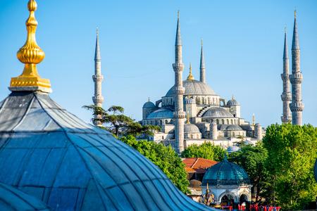 turkey: Hermosa vista sobre la Mezquita Azul en Estambul, Turqu�a Foto de archivo