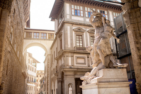 Sculpture on the loggia dei Lanzi in Florence old town in Italy 版權商用圖片