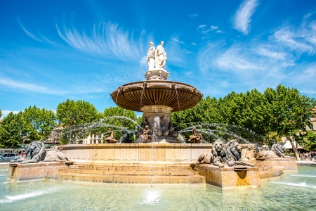 The Fontain de la Rotonde with three sculptures of female figures presenting Justice in Aix-en-Provence in France 版權商用圖片 - 66203654