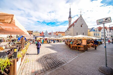 town hall square: Tallinn, Estonia - September 25, 2016: View on the crowded open market on the town hall square in Tallinn, Estonia