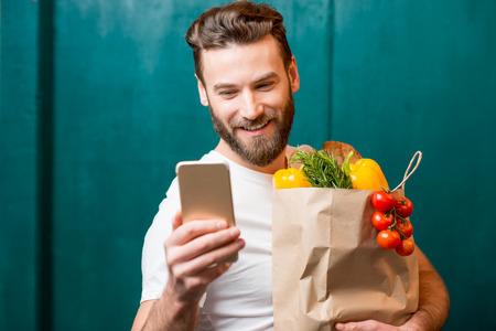 buying: Man buying food online