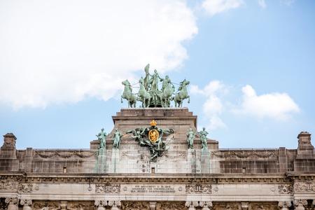 ブリュッセルの凱旋門の像