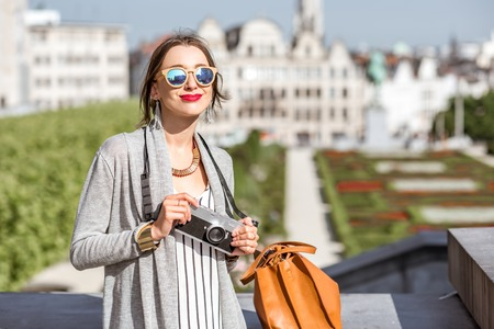 bruxelles: Woman traveling in Brussels