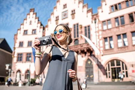 roemer: Tourist in the old town of Frankfurt city