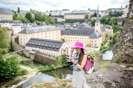Vrouw reist in Luxemburg Stockfoto