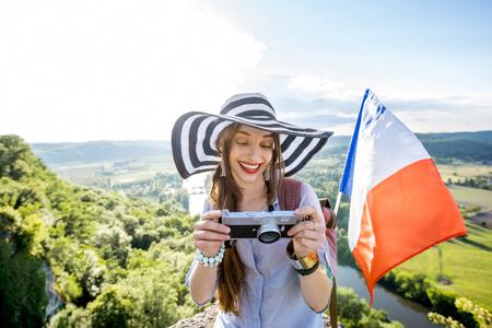 フランスの旅の女性