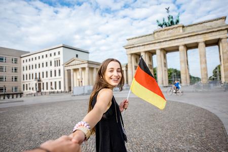 Vrouw die in Berlijn reist Stockfoto