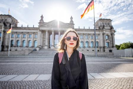 Woman traveling in Berlin Imagens - 81761134