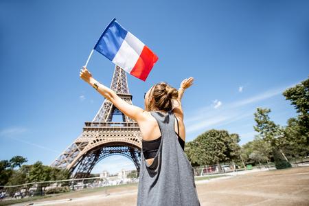 Woman traveling in Paris Stockfoto