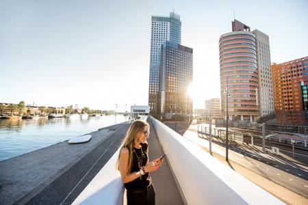 Woman in Rotterdam city Stock fotó - 85115899