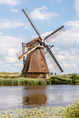 Old windmills in Netherlands 版權商用圖片