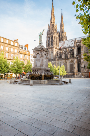 Kathedraal in de stad Clermont-Ferrand